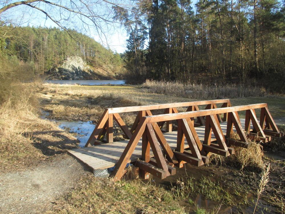 Dřevěný most přes Bílý potok
